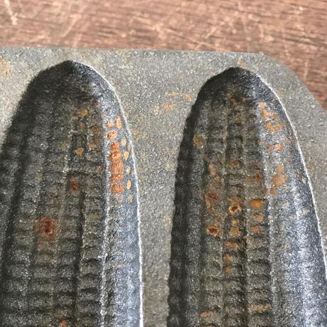 【古道具150】 鉄製菓子型  トウモロコシ USA  LODGE アイアンヴィンテージ