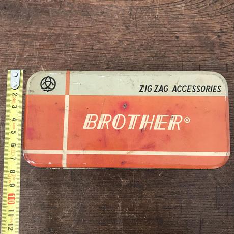 【古道具208】BROTHER レトロ缶
