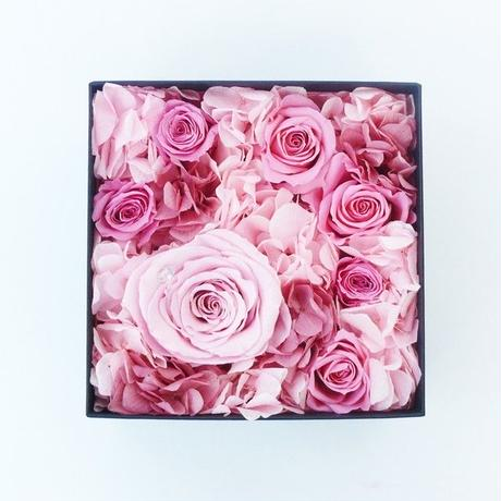 ダイヤモンドプリザーブドローズのボックスアレンジメント【pink】