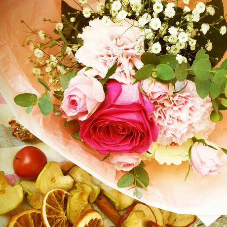 【生花定期便/隔週でお届け】自分にご褒美プラン/旬の花のブーケ