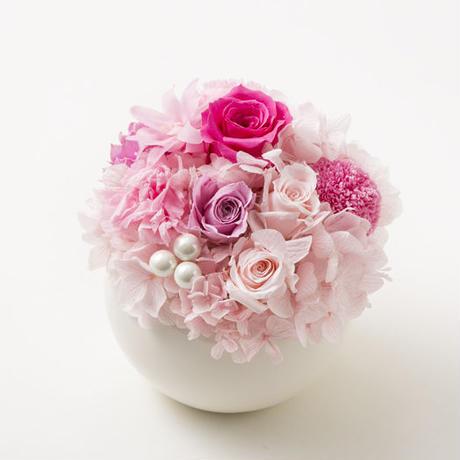 プリザーブドローズとマムのアレンジメント/ラウンド【powder pink】
