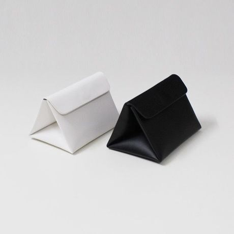 mini triangular shoulder bag