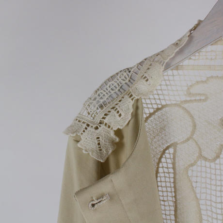 rear-lace short jacket