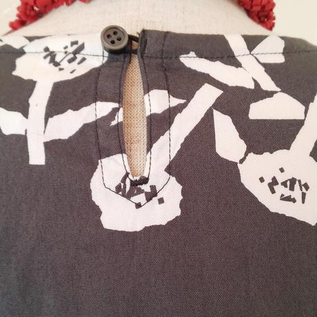 フラワープリント ワンピース (グレー)、 grin、 日本製