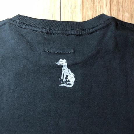 映画「狼煙が呼ぶ」懐に拳銃を Tシャツ