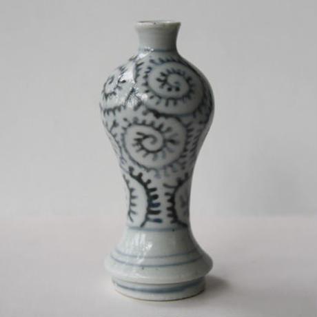 138 古伊万里 KOIMARI 蛸唐草文 瓶子