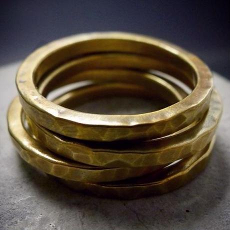 4本セット真鍮リング他のリングとの重ね付けにも最適です