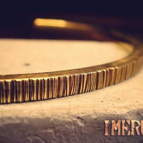 真鍮シンプルバングル細身で味のある風合い!重ね付けに最適