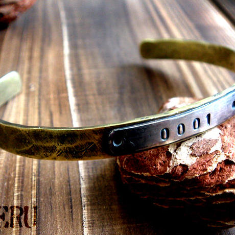シルバープレートにお好きな刻印を!真鍮&シルバー925バングル/幅の細いタイプ