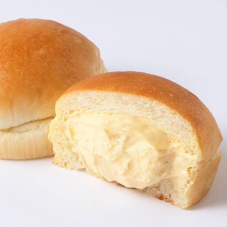 ごちそうギフトセット [ 黄金食パン 1 本、金のごちそうクリームパン3個 ]〈特製風呂敷箱入〉