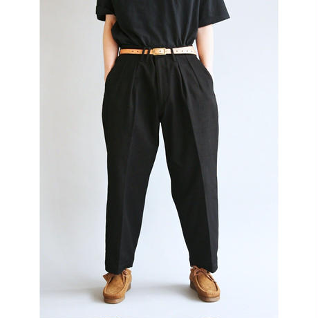 AN040  TUCK WIDE PANTS