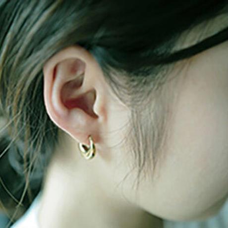 billow pierced earrings