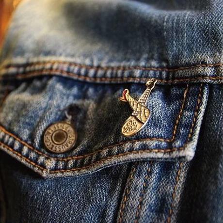 METALIZE x So Glad guitar female leg pin