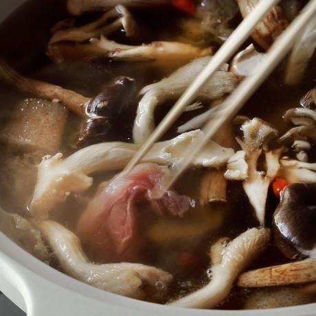【季節の鍋】七谷地鶏と木の子の薬膳鍋 2人前