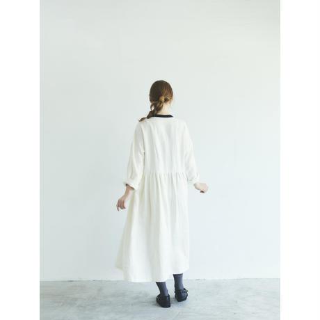 ブラッシュド・ベルギーリネン・ギャザーワンピース/ホワイト