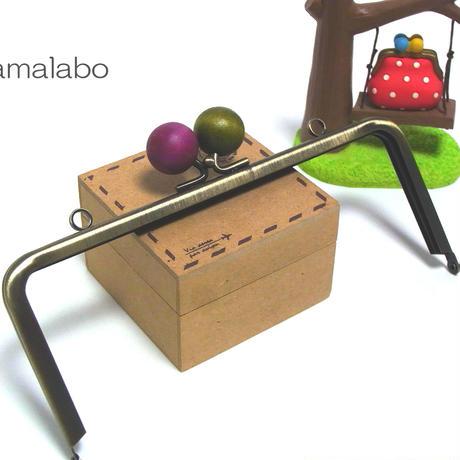 【HA-1223】18cm/角型(ちょっと大きな木玉/抹茶色と紫色のミックス)・カン付き