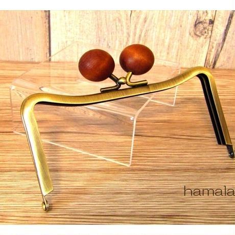 【HA-1449】12cmM字型(ネコ耳型)の口金(ちょっと大きい茶色の木玉×アンティークゴールド)