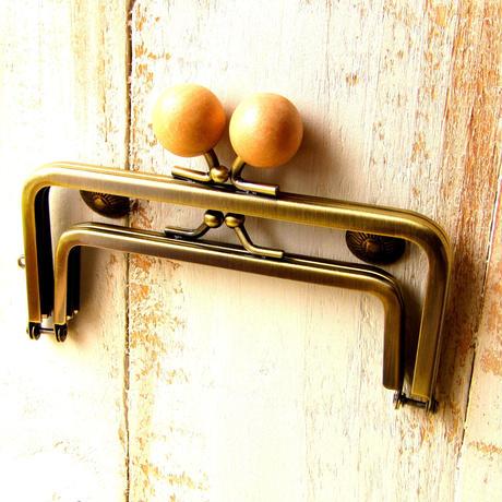 【HA-1233】親子口金 12cm(ちょっと大きなナチュラル色の木玉×アンティークゴールド)