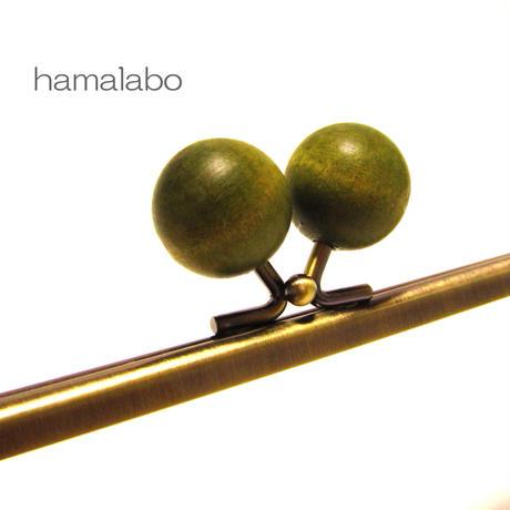 【HA-1226】25cm/角型(ちょっと大きな抹茶色の木玉×アンティークゴールド)
