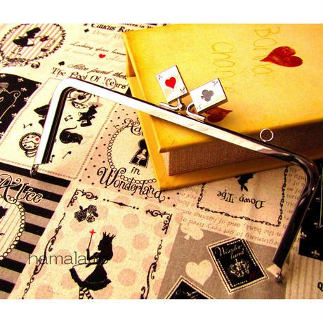 3月29日販売開始!【HA-460】18cm角型の口金(トランプ×シルバー)・カン付き
