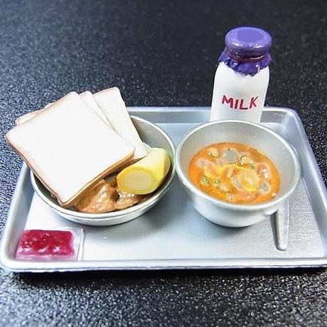 14.学校給食 食パン レア