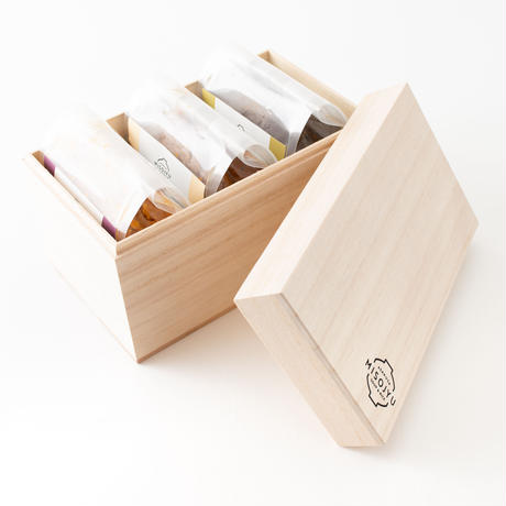 【贈り物に!】島根県産MISOJYUの有機生みそ 木箱3つセット 300g × 3