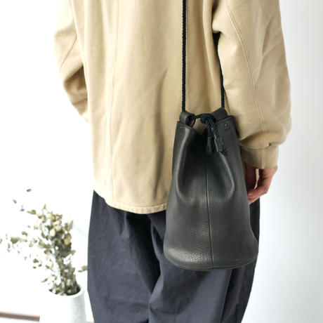 SHOULDER DUFFLE BAG