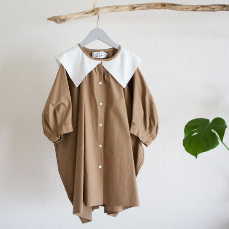 Sailor Collar Blouse (beige x white) / folkmade