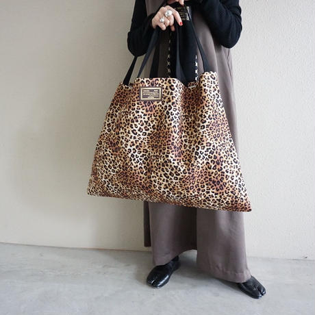 【オンラインストア限定】special large crosscarry logotip leopard
