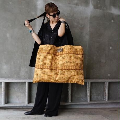【オンラインストア限定】special large crosscarry logotip fake basket black