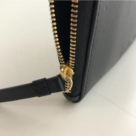 L-zipper multi case black