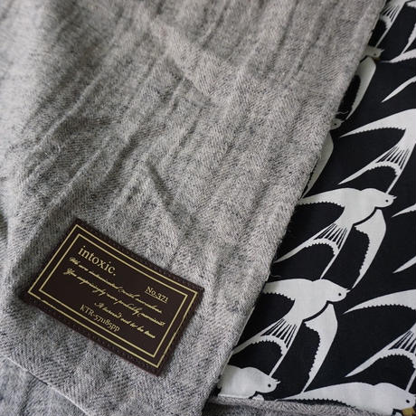 【online store 限定】big stole linen Swallows