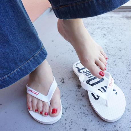 beach sandals  white