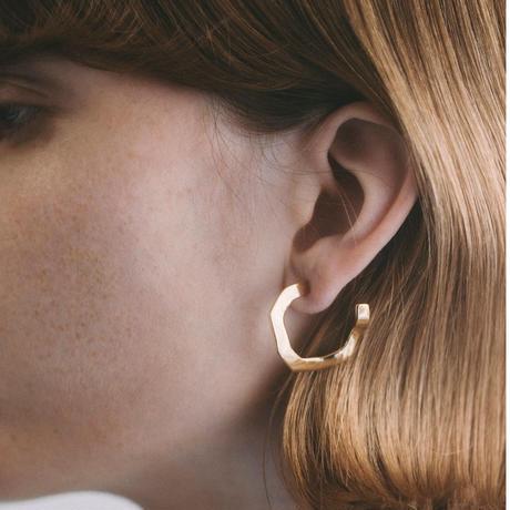 wavy pierce S (gold)
