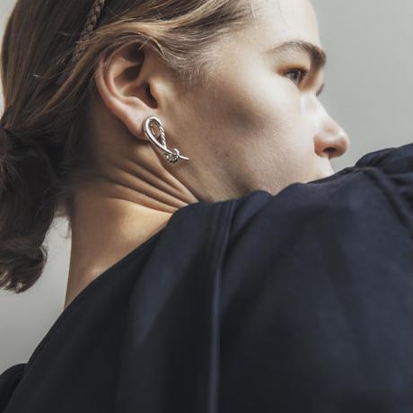 hook earring / silver,gold