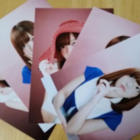 松前吏紗ソロ写真 青い服&赤い帽子(5枚組)
