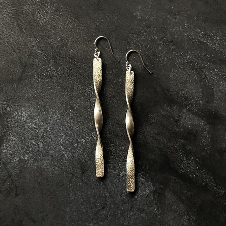 silver999  long twist  / ピアスsilver925  / イヤリング