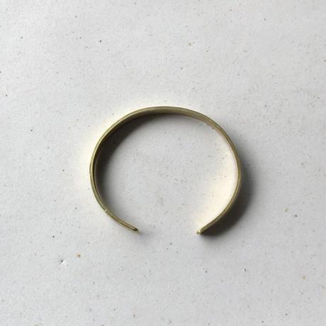 Brass bangle <middle>line