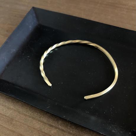 brass  bangle < one side twist >  L