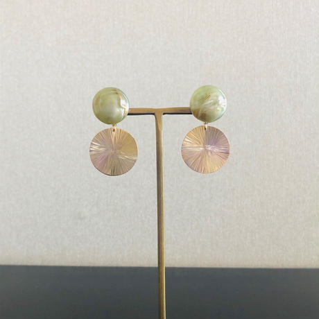 Green vintage & SUN brass ピアス / イヤリング