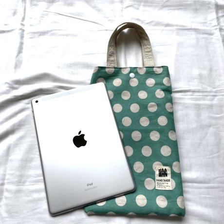 タブレットバッグ(水色 × 白水玉模様)