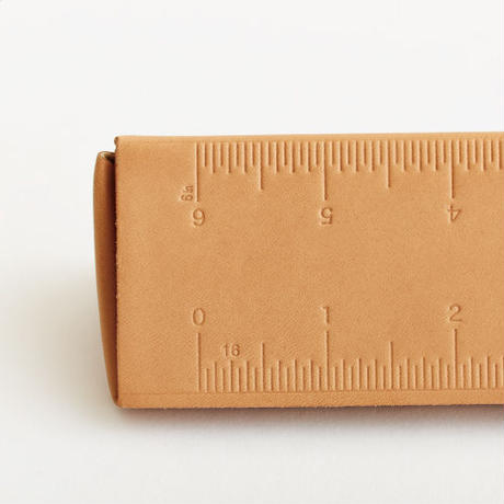 traiangular scale pen case(nude / black)