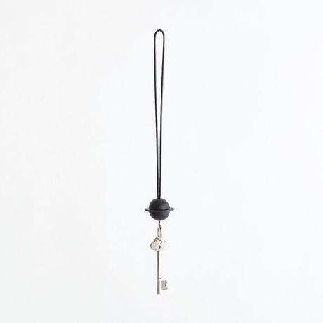 planet reel key holder(nude / black)