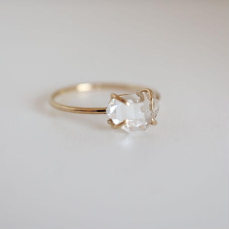 K18 & DIAMOND QUARTZ   RING