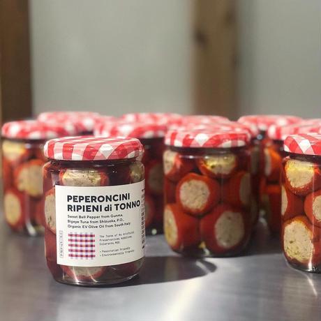 PEPERONCINI RIPIENI di TONNO / 甘唐辛子自家製ツナ詰めオイル漬け(南イタリアの思い出)