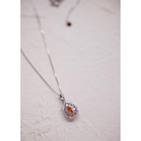FVOY(ファンシーヴィヴィッドオレンジイエロー)ダイヤモンドネックレス