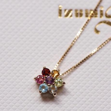 アミュレット(お守り)お花のネックレス
