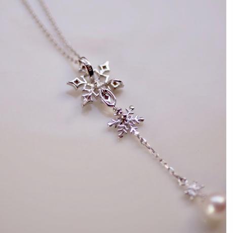雪の結晶ネックレス