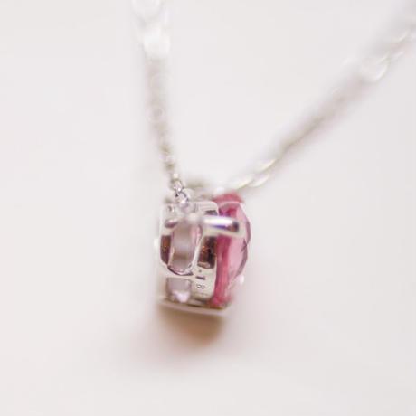 ハートカットのピンクサファイヤネックレス