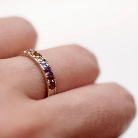 アミュレット(お守り)7色の石のリング